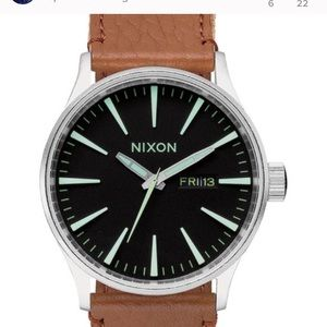 Nixon Sentry Leather watch.NW